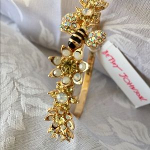 Betsey Johnson White Crystals  Bees Bracelet